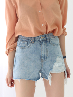 Damage short denim ; one color