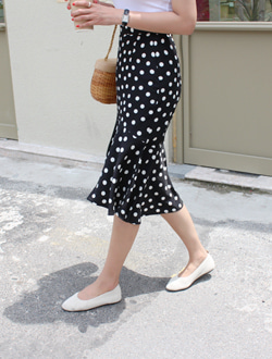 Mobile dot skirt